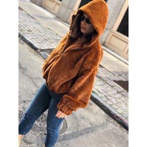 Jackets & Blazers - 🆕Caramel Brown Hooded Faux Fur Bomber Jacket